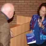 uitreiking Blauwe Boek aan Anne van der Meiden